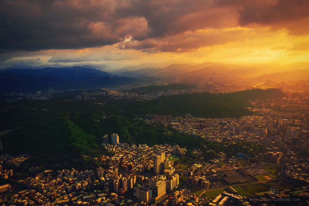The view of Taipei from the taipei 101. Photographed by Denis Carbone